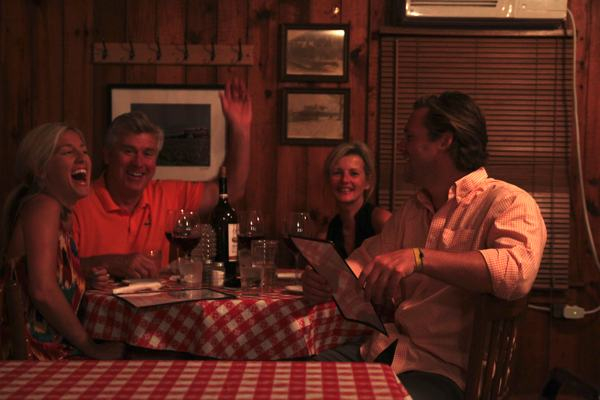 Guests dining at Kathryn\'s on Moon Lake