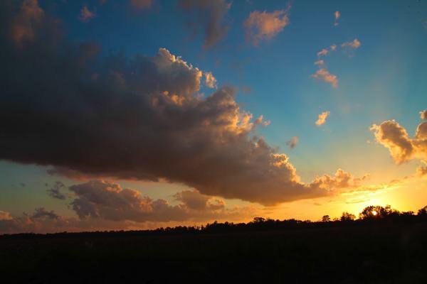 A magnificent sky near Moon Lake