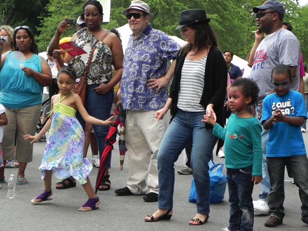 Kids dancing to the Grady Champion at the 33rd Annual Mississippi Picnic in Central Park. PHOTO BY GUEST BOHEMIAN EB BLAKNEY