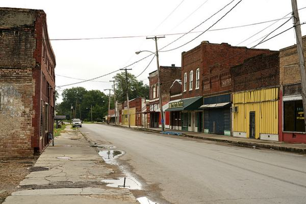 Main Street - Shaw, Mississippi PHOTO BY DONALD CHRISTIAN
