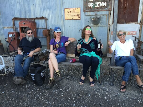 Bill Abel, Andrea Vlonk, Magical Madge, Becky Bobo Williams at Shack Up Inn