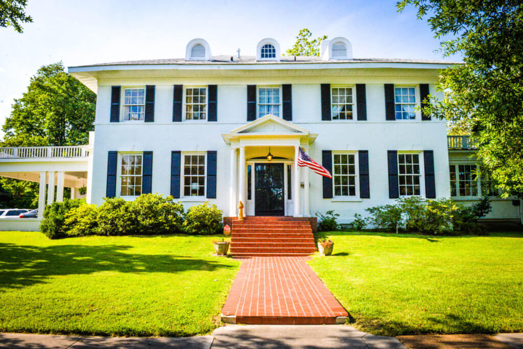 Clarksdale White House is one of the best places to stay in Clarksdale