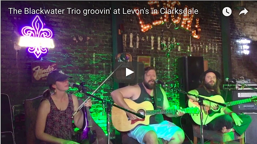 Clarksdale Sunday Afternoon Music at Levon's Bar & Grill