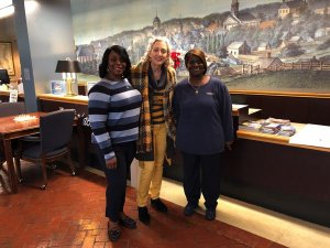 Visit Natchez: Madge meets friendly greeter Elizabeth Myles and Supervisor Julia Griffin of the Adams County Welcome Center.
