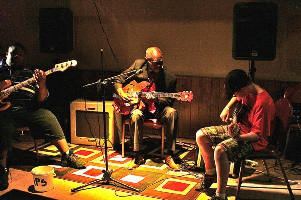 Kingfish playing with the late Mr. Johnny Billington in Clarksdale. July 7, 2010